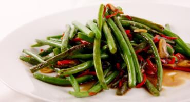 Green Beans with Oyster Sauce, Garlic and Chilli